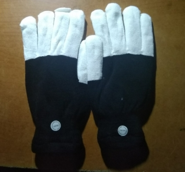 glove.black.white